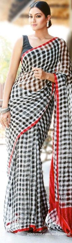 linen saree.. exclusive one.. have one in my wardrobe..