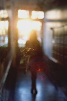 lens flare and out-of-focus pattern Lens Flare, Foto Flash, Alfred Stieglitz, Out Of Focus, Light And Shadow, Belle Photo, Film Photography, Sunlight, Serenity