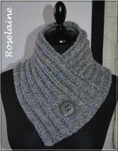 Un chauffe-cou au tricot - Je tricote Tu crochètes - Uncinetto - Crochet - Loom Knitting, Knitting Stitches, Knitting Patterns Free, Knit Patterns, Free Knitting, Baby Knitting, Knitting Machine, Crochet Round, Knit Crochet