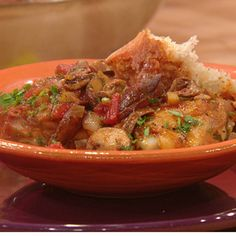 Red Chicken Marsala Rachael ray show Good recipe to freeze and share Turkey Dishes, Turkey Recipes, Chicken Recipes, Chicken Meals, Red Chicken, Chicken Appetizers, Chicken Marsala, Dinner Entrees, Frozen Meals