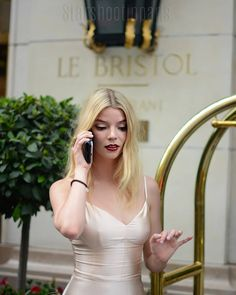 A community for fans of actress & model Anya Taylor-joy. Pretty People, Beautiful People, Blond, Anya Joy, Anya Taylor Joy, Actrices Hollywood, Girl Crushes, Look Cool, Celebrity Crush