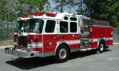Dumfries Triangle Volunteer Fire Department, Prince William County, VA - Engine 523 - 2002 E-One Pumper.