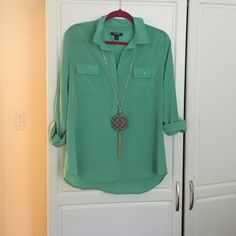 Old navy. Size large Very cute and flattering sea foam green old navy top size large. Perfect with skinny jeans & boots for fall Old Navy Tops