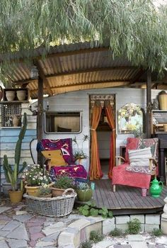 Good idea for porch on trailer
