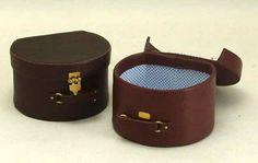 Edwardian Hat Box - Karon Cunningham Miniatures