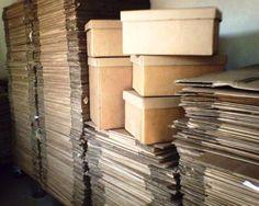 Caixas de papelão para Mudança com diversas medidas. (De R$ 2,00 a R$ 4,00 a unidade.)Sebo Vitória Régia - Avenida: Sete de Setembro, 1048 - Vila Menuzzo Sumaré - SP 13171-505 Livros, Revistas, Gibis, Caixas de papelão para Mudança, Jornal para Canil Literatura brasileira e estrangeira + Turma da Mônica, Disney, Heróis...  Whats: (19) 9 8258-2123 + Fone: (19) 3396-0064 + Vivo: (19) 9 7125-8260 + Tim (19) 9 8117-8954