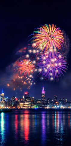 New york fireworks night city, sky night, night skies, of july nyc Fireworks Photography, Night Photography, Photography Ideas, Silvester Trip, Ciel Nocturne, Fire Works, Bonfire Night, Photos Voyages, City Photography