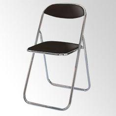 超絶シンプルなパイプ椅子。とりあえずそこそこに快適に座れるという機能以外を徹底的に省いた見た目は私は好きである。