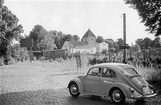 Berlin Spandau: Mauer in Staaken 1968-Blick auf die evang.Kirche auf DDR Gebiet West-Staaken