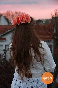 Campaña Adelanto SS '14 de la marca de accesorios Nymeria - Vinchas de flores - Vinchas con Flores - Flower Crown - Flower Headband
