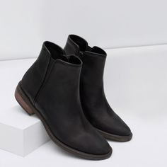 ZARA - COLLECTION AW15 - FLAT LEATHER BOOTIES