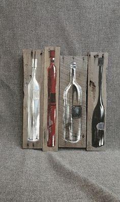 Wood Profits - Vin bouteille peinture palette art décoration murale, rouge et vin blanc, récupéré des bouteilles de vin bois, en difficulté, fait main, peint à la main, cadeau Original peinture à lacrylique sur bois de palettes récupéré qui est teinté gris avec une teinture à base deau. Cette pièce unique est 15 1/2 po x 19 po. Donner votre espace cuisine ou bar une touche des personnelle, shabby chic avec cette oeuvre rustique. Il sagit de la seule et unique ORIGINAL à vendre. Parce q...