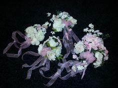 Bride's and Bridesmaids' bouquets