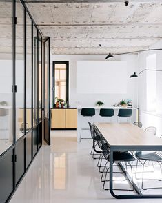 via @dwellmagazine: The Black and White Apartment by Crosby Studios. #interior #dining #modern #dwell  Photo by @evgenyevgrafov Architecture by @crosbystudios Location: Moscow Russia