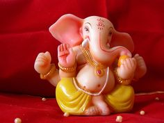 """Ganesh Chaturthi offer.. Get 5% discount on advance booking from Xpress Car Rental India. Use Coupon code XPR1234""""          http://www.xpresscarrentalindia.com/pune-mumbai-airport-drop.html"""