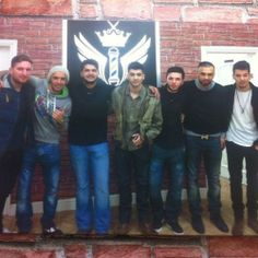 Unseen pic of Zayn with friends!