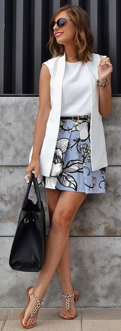 Outfits Mode für Frauen 2019 - Way outside my normal fashion but really cute and would consider. Blazer Outfits, Skirt Outfits, Casual Outfits, Casual Blazer, Sleeveless Blazer Outfit, White Outfits, Sleevless Blazer, Sweater Outfits, Dress With Blazer