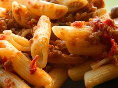 Pirított tészta marhahúsraguval, szuper recept és nagyon hamar elkészíthető! Shrimp, Dinner Recipes, Nap, Food, Essen, Meals, Yemek, Supper Recipes, Eten