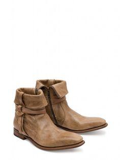 "Sendra Boots os presenta este impresionante modelo de botas con un diseño que combina al mismo tiempo varios estilos: ""casual"" + ""urban"" + ""trend"".     Sendra Boots Presents this stunning model of boots with a design that combines at the same time various styles: ""casual"" + ""urban"" + ""trend"". #Sendra #Boots #Botas #Man #Trend #Fashion"