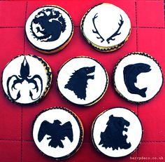 Game of Thrones House Silhouettes Game Of Thrones Food, Game Of Thrones Sigils, Game Of Thrones Dragons, Game Of Thrones Houses, Cupcake Cookies, Cupcakes, Cookie Games, House Sigil, House Silhouette