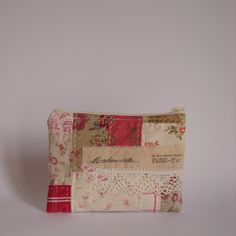 Patchwork+pouch+red+and+linen1.jpg 1,600×1,600 pixels
