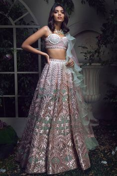 End to End Customization with Hand Embroidery & beautiful Zardosi Art by Expert & Experienced Artist That reflect in Blouse , Lehenga & Sarees Designer creativity that will sunshine You & your Party. Indian Bridal Outfits, Indian Bridal Lehenga, Indian Designer Outfits, Red Lehenga, Lehenga Choli, Sarees, Bollywood Lehenga, Indian Designers, Pakistani Bridal