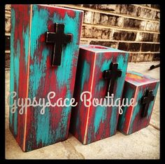 Rustic Western Turquoise and Red Tealight Candle Holders with Crosses Rustikale Western Türkis und rote Teelichthalter mit Kreuzen Rustic Candle Holders, Rustic Candles, Tealight Candle Holders, Candle Stands, Western Style, Country Decor, Rustic Decor, Farmhouse Decor, Turquoise Dining Room