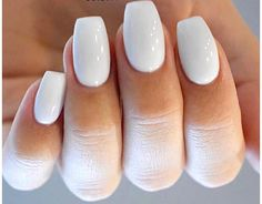Are you curious about the nail shape that best suits your hand? Then this article is just for you. You can find most suitable nail shape for your hand . Storing Nail Polish, Colorful Nail, Nail Polish Bottles, Oval Nails, Hand Type, Nail Trends, Fun Nails, You Nailed It, Nail Colors