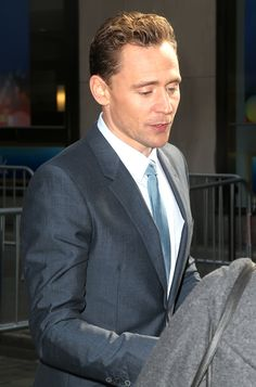 Tom Hiddleston at NBC Studios in New York City during an appearance on 'The Today Show' on March 24, 2016. Higher resolution image: http://ww4.sinaimg.cn/large/6e14d388gw1f28f8accklj222y35fhdt.jpg Source: Torrilla, Weibo http://www.weibo.com/1846858632/DnNmLxeS5?from=page_1005051846858632_profile&wvr=6&mod=weibotime&type=comment#_rnd1458897621845
