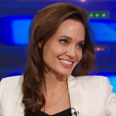 Angelina Jolie Chats with Jon Stewart About Directing (and Watching 'The Daily Show' with Brad Pitt) #InStyle