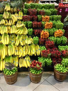 Fruit And Veg, Fruits And Vegetables, Fresh Fruit, Vegetable Shop, Supermarket Design, Fruit Shop, Fruit Stands, Fruit Photography, Grilling Gifts