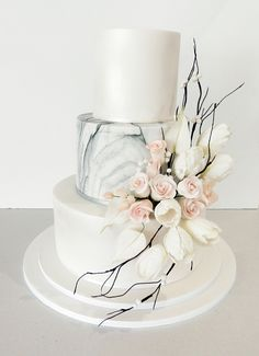 Winter themed wedding cake with sugar flowers. Sugar roses and sugar white tulips with twigs and berries. One of our favourites Fondant Wedding Cakes, Fondant Cakes, Elegant Wedding Cakes, Wedding Cake Designs, Elegant Cakes, Bolo Nacked, Tulip Wedding, Wedding White, Purple Wedding