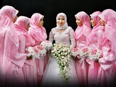 Muslim Wedding Dresses 2013: Elegant with Covered Hijab