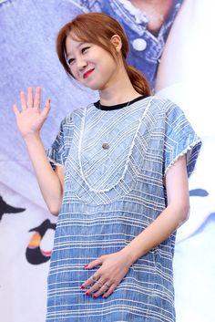 韓国・ソウル(Seoul)のインペリアルパレスホテル(Imperial Palace Seoul)で行われた、ソウル放送(SBS)の新ドラマ「大丈夫、愛さ(英題、It's Okay, That's Love)」の制作発表会に臨む、女優のコン・ヒョジン(Kong Hyo-Jin、2014年07月15日撮影)。(c)STARNEWS ▼25Jul2014AFP|SBSの新恋愛ドラマ「大丈夫、愛さ」、制作発表会 http://www.afpbb.com/articles/-/3021203 #Kong_Hyo_Jin