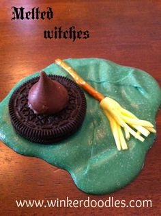 Fun and easy Halloween craft for teens, adults, kids.... anyone! I'm SO pinning so I can remember this!!!!