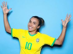 Brazilian Female footballer, Marta Vieira da Silva, breaks the jinx by being the first woman in history to score 17 World Cup Goals. Football Players Images, Female Football Player, Worldcup Football, Carli Lloyd, Team Goals, Fifa Women's World Cup, Beautiful Athletes, Play Soccer, Women In History