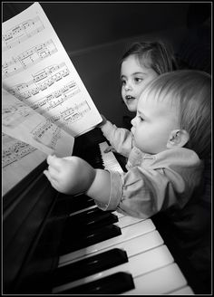 There are few things cuter than capturing kids at the piano enjoying each other and the instrument. #children #photoshoot