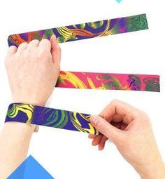 Cool and groovy fashion bracelet. Assorted tie-dyed color slap bracelets add a retro touch to any party occasion. Slap them on and peace out at your next sixties or eighties theme party. 90s Childhood, My Childhood Memories, Priscilla Queen, Slap Bracelets, Jelly Bracelets, Kids Bracelets, Pandora Bracelets, 90s Girl, Back In The 90s