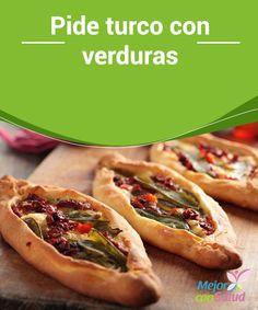 """Pide turco con verduras  También conocido como """"pizza turca"""" es un platillo típico de este país y se suele comer en puestos callejeros."""
