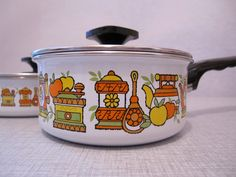 Your place to buy and sell all things handmade Kitchen Stove Top, Retro Kitchen Appliances, Interior Design Kitchen, Kitchen Decor, Decorating Kitchen, Kitchen Designs, Vintage Enamelware, Vintage Ceramic, Vintage Kitchen