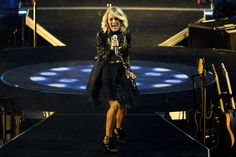Carrie Underwood spares no expense with big-budget spectacle at the X