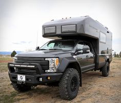 the ford earth roamer XV-LTS camper makes off-the-grid living a reality Off Road Camper, Truck Camper, Camper Van, Ford F550, Rv Upgrades, Luxury Rv, Luxury Campers, Rv Financing, Expedition Vehicle