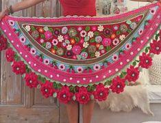 Crochet Roses Crochet Kit 'Cherry Blossom' Stola - Adinda's World - Official website of Adinda Zoutman Triangle En Crochet, Form Crochet, Crochet Woman, Crochet Chart, Crochet Lace, Crochet Patterns, Pinterest Crochet, Easy Crochet Projects, Crochet For Beginners