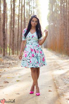 Look da Maanuh,  Vestido floral MULHER DE FIBRA com escarpin Pink