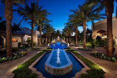 Belle maison, propriété de très grand standing avec un jardin exotique impressionnant
