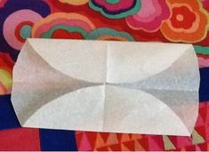final fold for hexagon pattern Draw A Hexagon, Hexagon Pattern, Hexagon Quilt, Free Pattern, Hexagons, Quilt As You Go, Quilt Batting, Hot Pads, Sewing Hacks