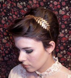 3 Ways To Style Your Bangs Under A Glitzy Headband #xoVain
