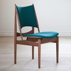 Check out the Finn Juhl Egyptian Chair in Dining Chairs, Furniture, Paint, Paint & Wallpaper from Danish Design Store for Vintage Furniture, Modern Furniture, Furniture Design, Modern Chairs, Danish Design Store, Outside Furniture, Upholstered Bench, Take A Seat, Deco Design