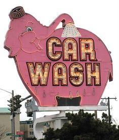 Car wash, Seattle, USA.
