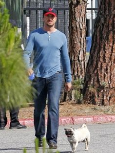 Gerard Butler   #celebrities #pets #Dogs